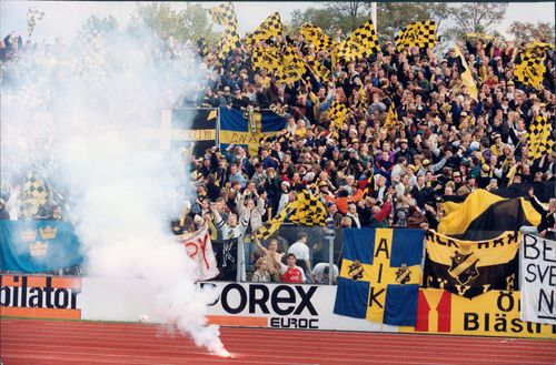 Audience with AIK fans