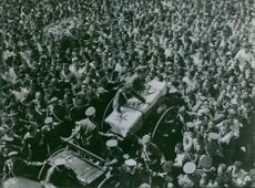 Crowd are showing their respects around of General Abdul Munim Riad's coffin, 1969.
