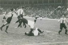 During a football match.  - 1929