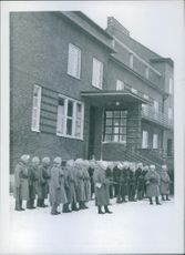 Soldiers standing at the front of building during Sweden war I, 1940.