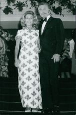 Kirk Douglas with nwife Anne Buydens