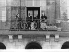 Queen Juliana and Princess Beatrix of the Netherlands on the balcony.