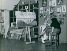 The Duchess of Alba at her painting studio. 1960.