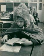 Schools 1970-1979:Children of chislehurst road junior school wearing their coats and hats.