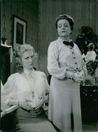 Aino Taube and Olga Andersson in a scene from