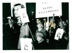 Hundreds of people gathered outside the Russian embassy to express their views on the release of Raoul Wallenberg.