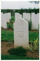 Grave of a WWII soldier at Bayeux Cemetery