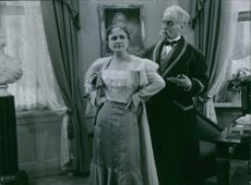 A scene form the film Johan Ulfstjerna with Edith Erastoff and Gosta Ekman, 1936.
