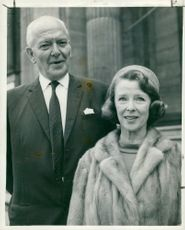 Grave charles with his wife.