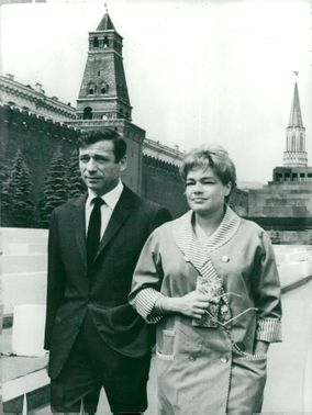 Yves Montand and Simone Signoret in Moscow