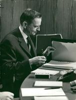 Government Olof Palme at work