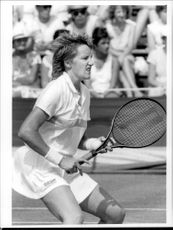 Anne Hobbs in action during the Wimbledon 1986