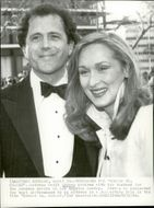 Actress Meryl Streep arrives with her husband for the 1980 Oscars