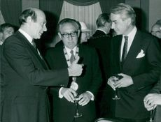 Manfred Wörner, Henry Kissinger and Richard Burt