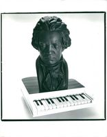 Sculpture of Ludwig van Beethoven.