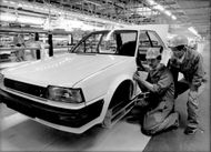 Article image from Nissan's car factory in the United States.