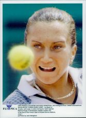 Iva Majoli in action against Martina Hingis in French Open