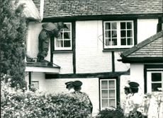 Police checking a house yesterday in edlesborough bucks.