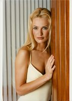 Portrait of the model Karen Mulder