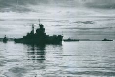 The cruiser HMS Three Crowns and the three hunters to visit Englnad and Weymouth's fear. - 21 July 1949