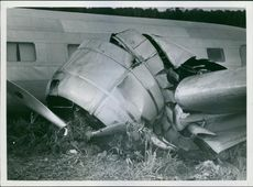 A Russian plane crashed in Skarpnäck. One of the plane's engines barrage in Earth. 1938