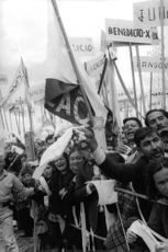 People assembled to welcome Pope Paul VI.