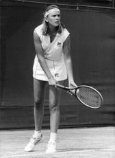 Anne White playing tennis.