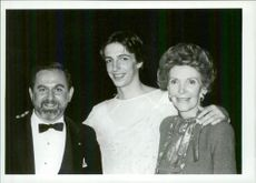 Robert Joffrey, Ronald Reagan Jr. and Nancy Reagan backstage at Joffrey Ballet's 25th Anniversary at City Center