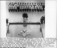 """The Soviet Union officials gathered at the tomb of """"the Unknown Soldier"""" on the Sabbath to commemorate the soldiers who died in the war"""