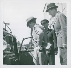Crown Prince Gustaf Adolf ready for a round trip in Alfredshem