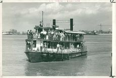 River boat excursion on old muddy Mississippi.