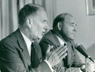 Center party leader Gunnar Hedlund and party secretary Gustaf Jonnergård during a press conference