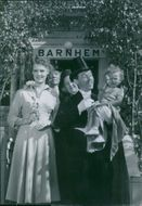 A Scene of the movie Pappa Bom (Daddy Boom) with Nils Poppe as Fabian Bom and Else-Merete Heiberg as Lena Brodin, 1949.