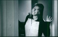 A scene from the film The Mirror Has Two Faces with  Barbra Streisand as Rose Morgan, 1996.