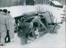 People removing a snow from the way during Winter War in Finland, 1940.