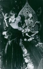 Man and woman performing in the horror show.