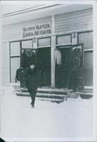 Finnish-Russian War Northern front Kemijarvi lettuce sector come from Sweden to. Finland A photo of a front store of an Apparel manufacturing Constitution in finland during the winter war in 1940.