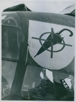 "1939 aviation Squadron insignia as a symbol; It is necessary to crush the ""umbrella""."