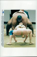 The world's heaviest summons protector Emmanuel Yarbrough from New York wrestles against Czech Jaroslav Poriz.