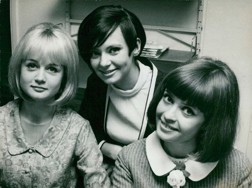 Charlotte Norrestam, Inga-Lill Walfridson and Pia Hedgren, TV hostess in the TV's 10,000 kronor question