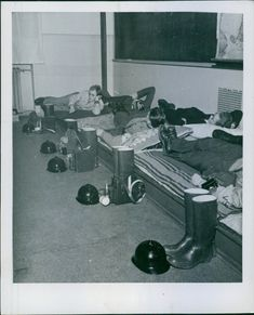 Soldiers sleeping together in the room during First World War, 1941.