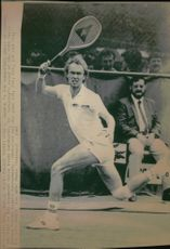 Jan Gunnarsson in the match against Heinz Gunthardt in French Open 1984