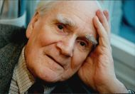 Portrait image of Bond actor Desmond Llewelyn, taken in an unknown context.