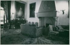 A photo inside the House of Alba. October 17, 1947.