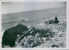 North Africa : Italians cornerstones extreme east of El - Mechili. The tent of a lookout, 1942.