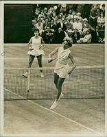 Maria Bueno. with miss smith.