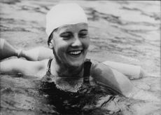 Karin Beyer swimming.