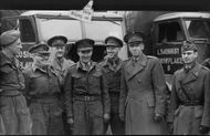 The English officers at Lo 6 barrack yard in the company of, Lieutenant colonel Hagelin (on right) on a visit in Gothenburg