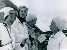 1960 Grindelwald,  Princess Birgitta in a group with other ladies in Grindelwald.