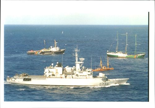 Ship: Vendemiaire with the Rainbow Warrior.